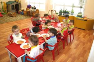 С какого возраста берут в детский сад на полный день в москве