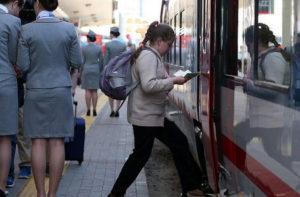 Без справки школьника посадят в поезд
